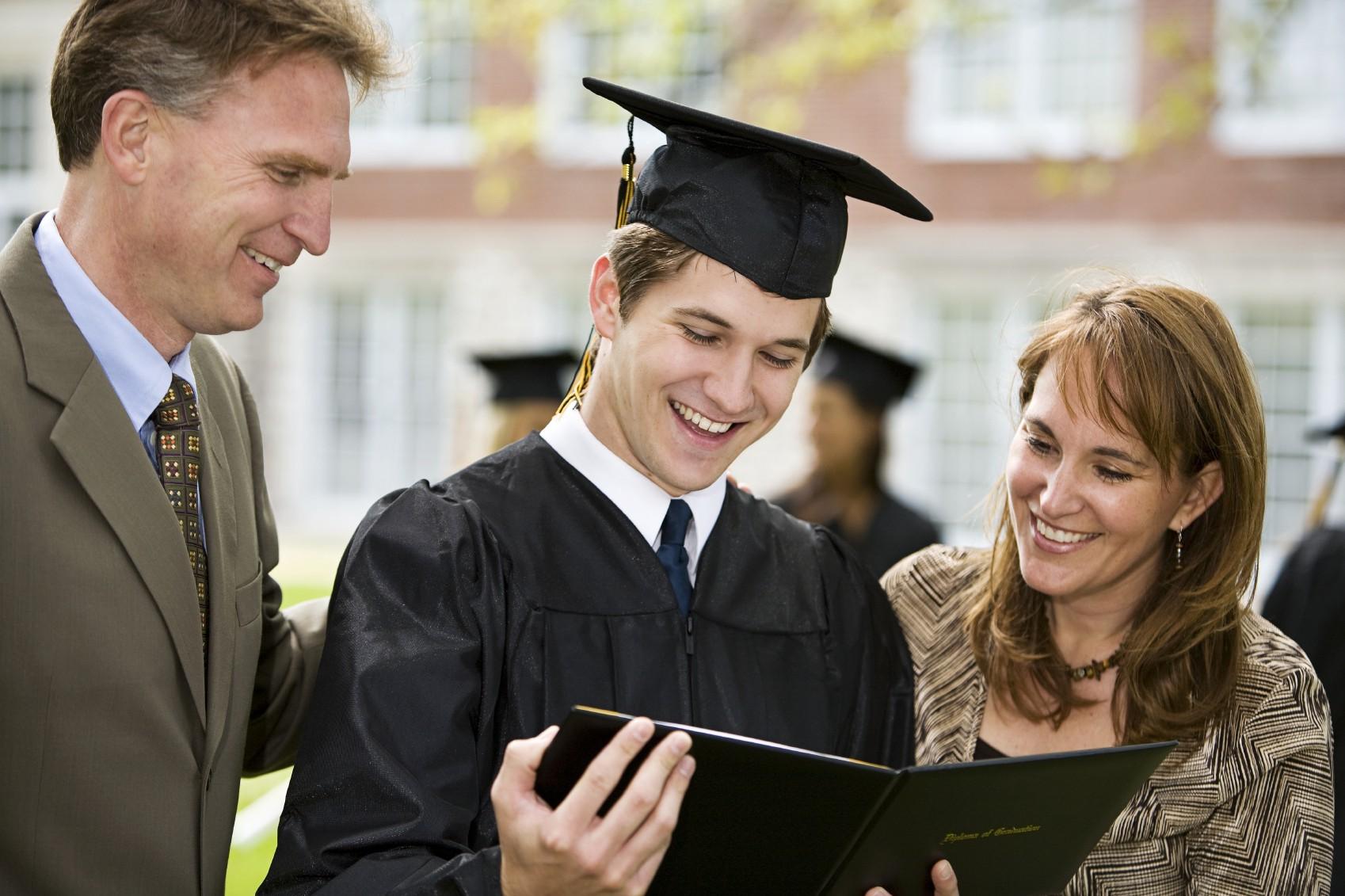 Обов'язок батьків на утримання студента до 23 років не залежить від форми навчання